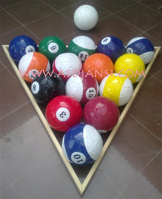 pool soccer ball set with frame